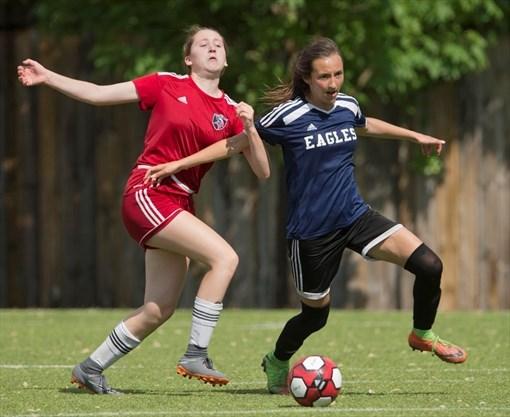 cwossa-girls-soccer-1-May-2018