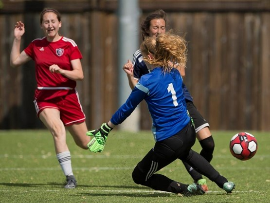 cwossa-girls-soccer-3-May-2018
